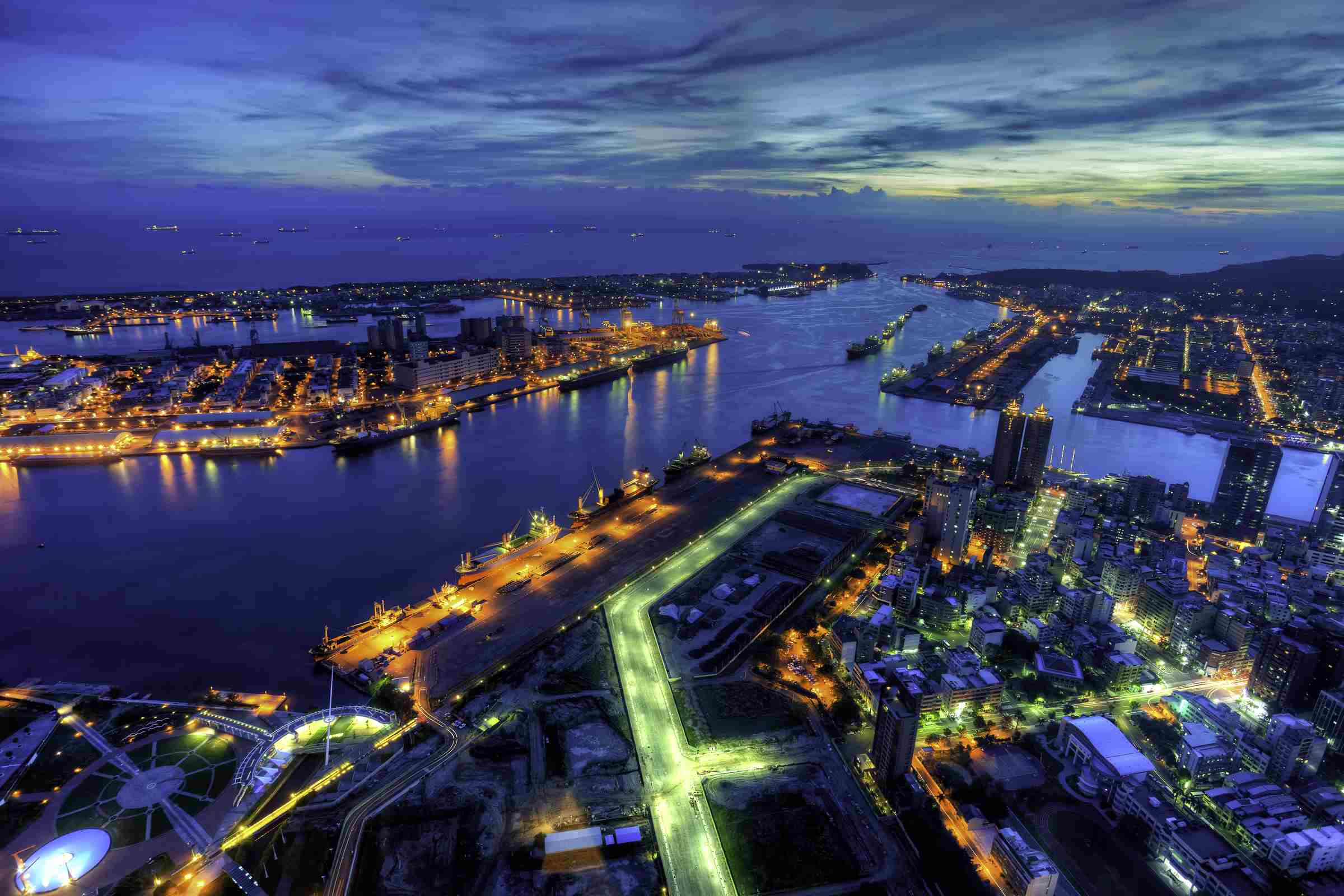 Kaohsiung City and Harbor brakes